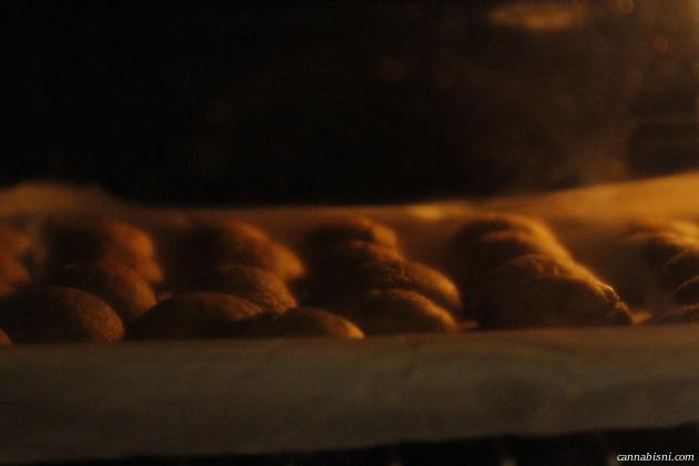 baking cannabis edibles